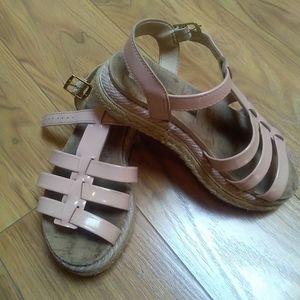 Molekinea sandals